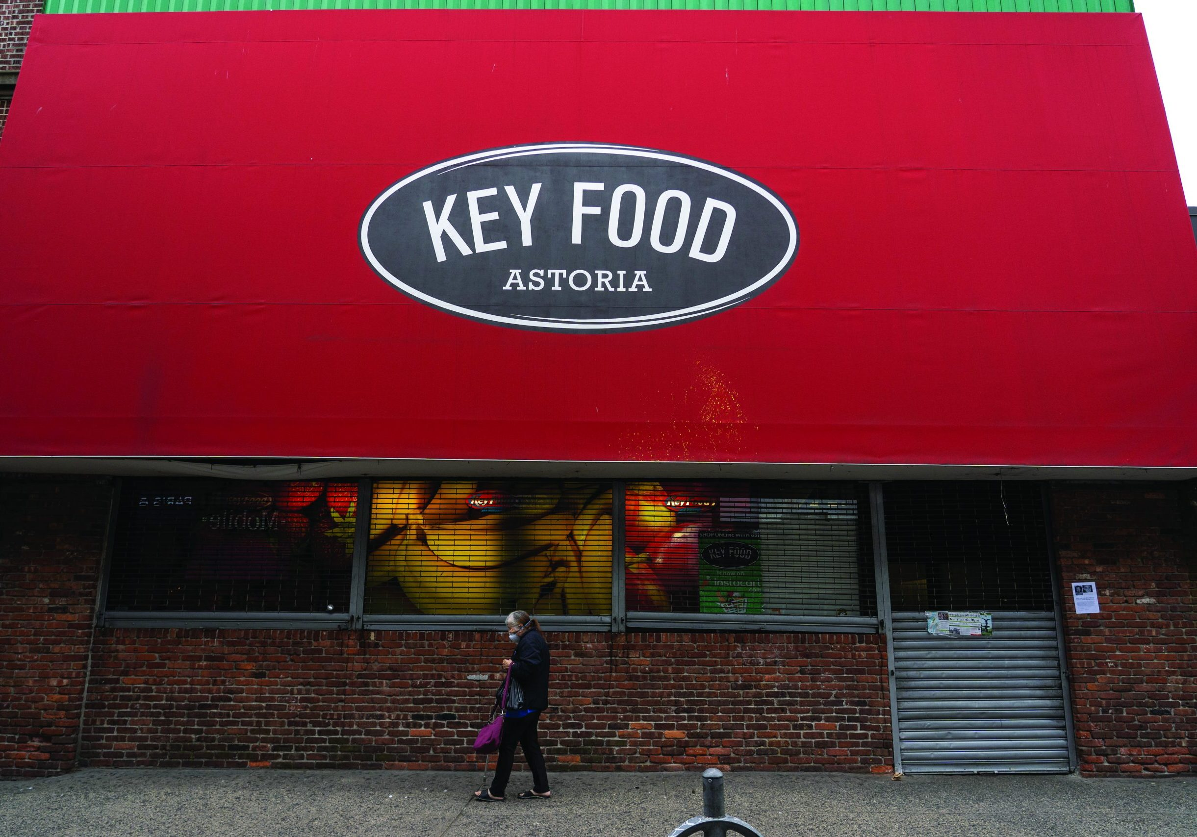 NEW YORK, NY OCTOBER 11: Astoria Key Food Supermarket is seen closed for business following rent impasse on October 11, 2020 in New York City. A Target store is set to open in its place.